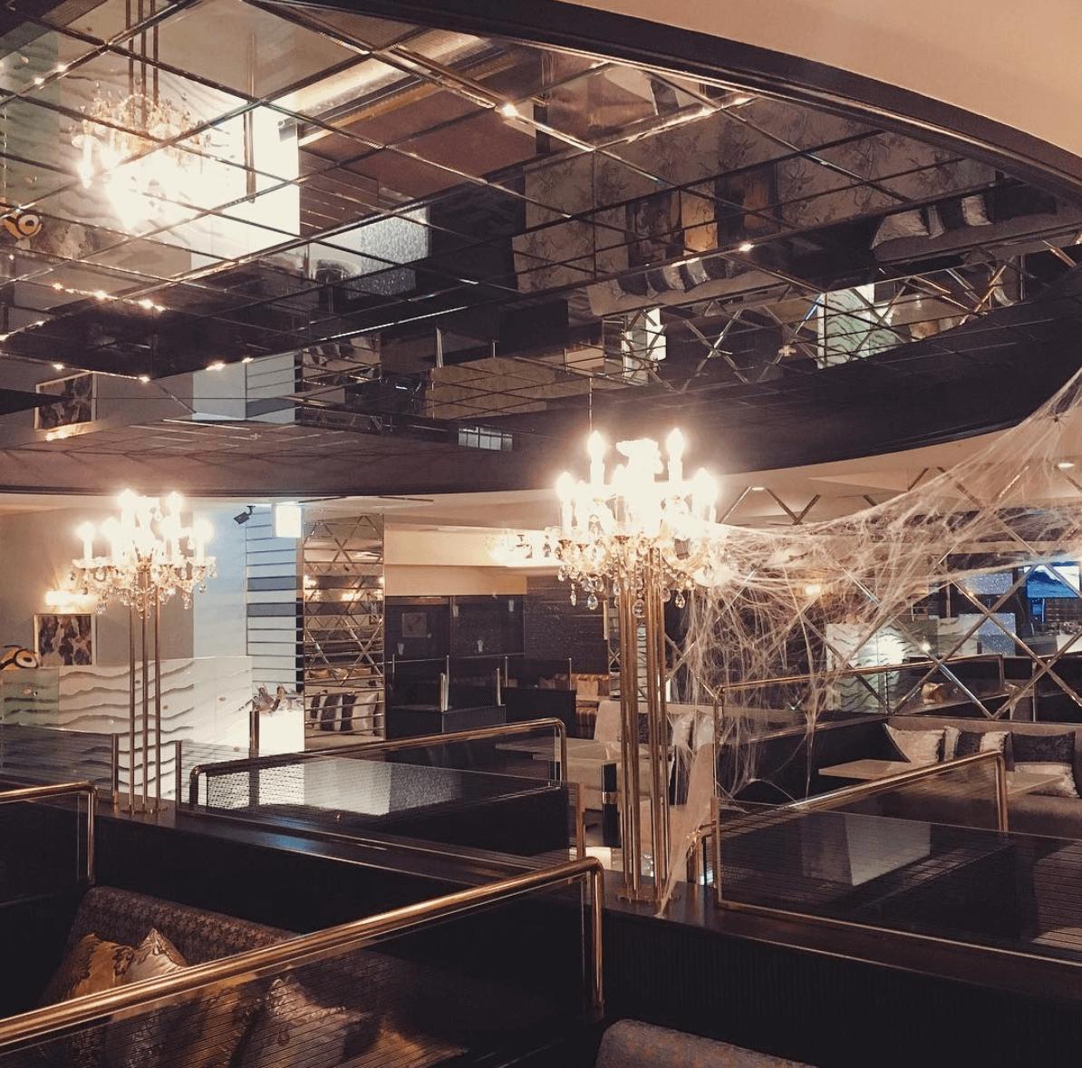 横浜の相席屋「ELLE」